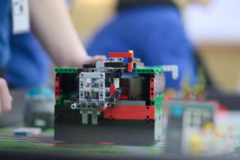 images/faecher/physik/robotik2018/rechtsobenundlinksunten_1000.jpg