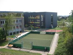 images/schule/rundgang/sportpausenhof_gr.jpg
