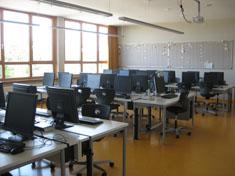 images/schule/rundgang/computerraum_gr.jpg